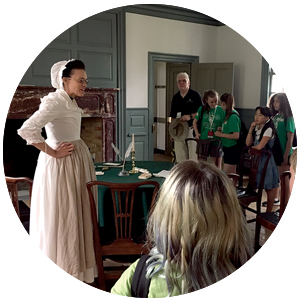 5th graders in colonial Williamsburg